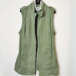 Olive Green Sleeveless Jacket & Coat Vest